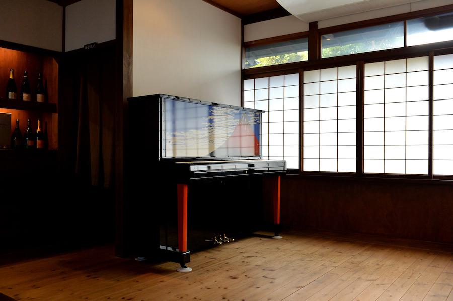 赤富士アップライトピアノ