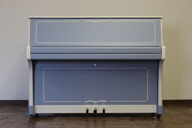 ブルーが可愛いデザインピアノ
